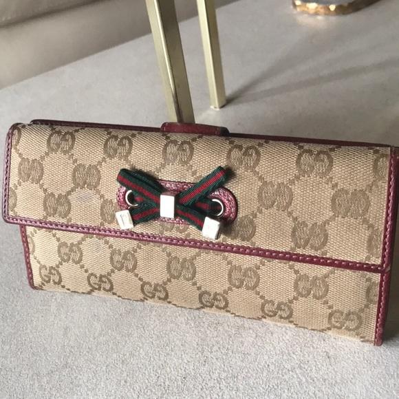 1639efc1c12 Gucci Handbags - GUCCI Monogram Princy Continental Serious bid only
